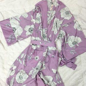 New Victoria's Secret kimono robe floral M L